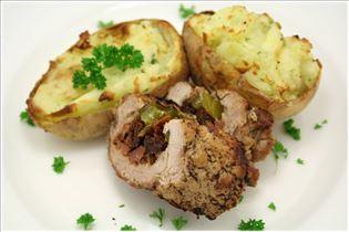 Schweinefilet mit gefüllten Kartoffeln