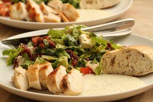 Hähnchensalat mit Senfdressing
