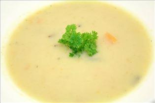 Gemüsesuppe mit Rosmarin und Ingwer