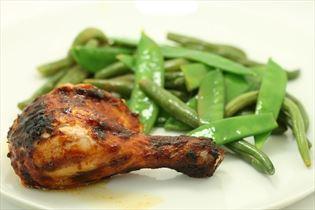 Barbecue-Hähnchen mit Gemüse