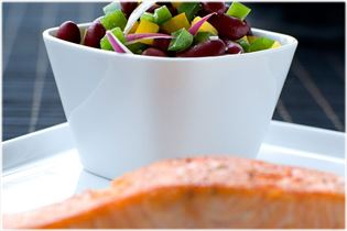 Lachs mit knackigem Bohnensalat