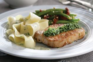 Koteletts mit Estragon und Pasta