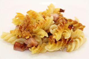 Pastagericht mit Schinken und Bacon
