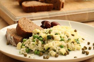Risotto mit Erbsen und Zucchini