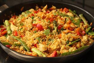 Wok mit Hähnchen und Curry