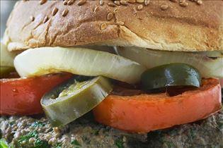 Rindfleischburger mit Kürbisfritten