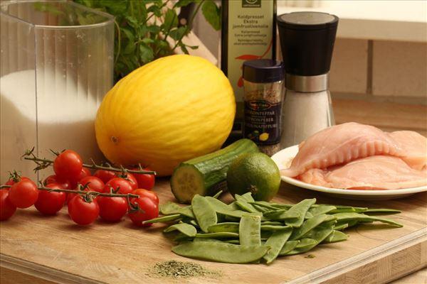 Hähnchen mit Melonensalat