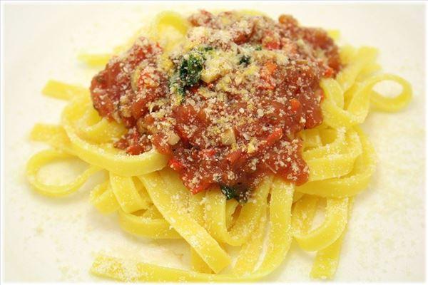 Pasta mit selbstgemachter Tomatensauce
