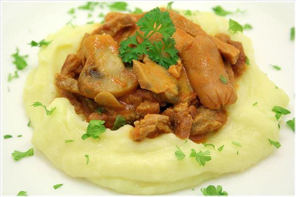 Schmortopf mit Kartoffelpüree