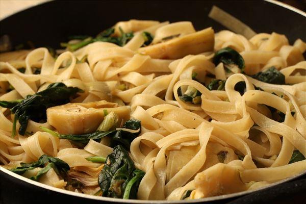 Parmesanhähnchen mit frischer Pasta