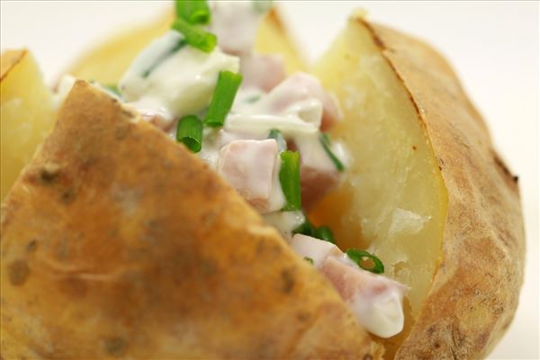 Backkartoffel mit Schinkenfüllung