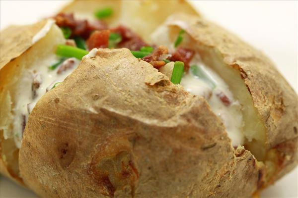 Backkartoffel mit Baconfüllung und Schnittlauch