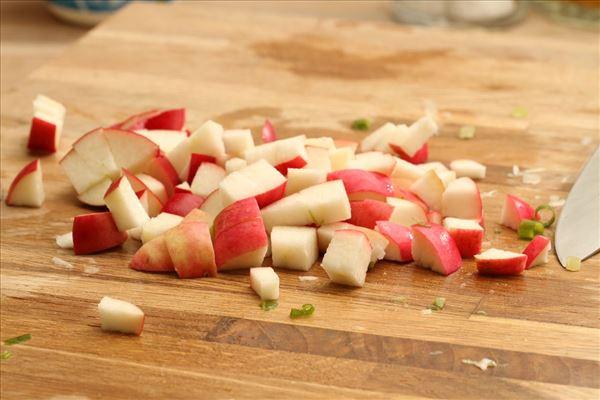 Frische Pasta mit Lachs und Apfel