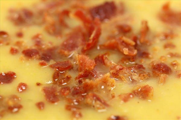 Kartoffelsuppe mit Baconbröseln